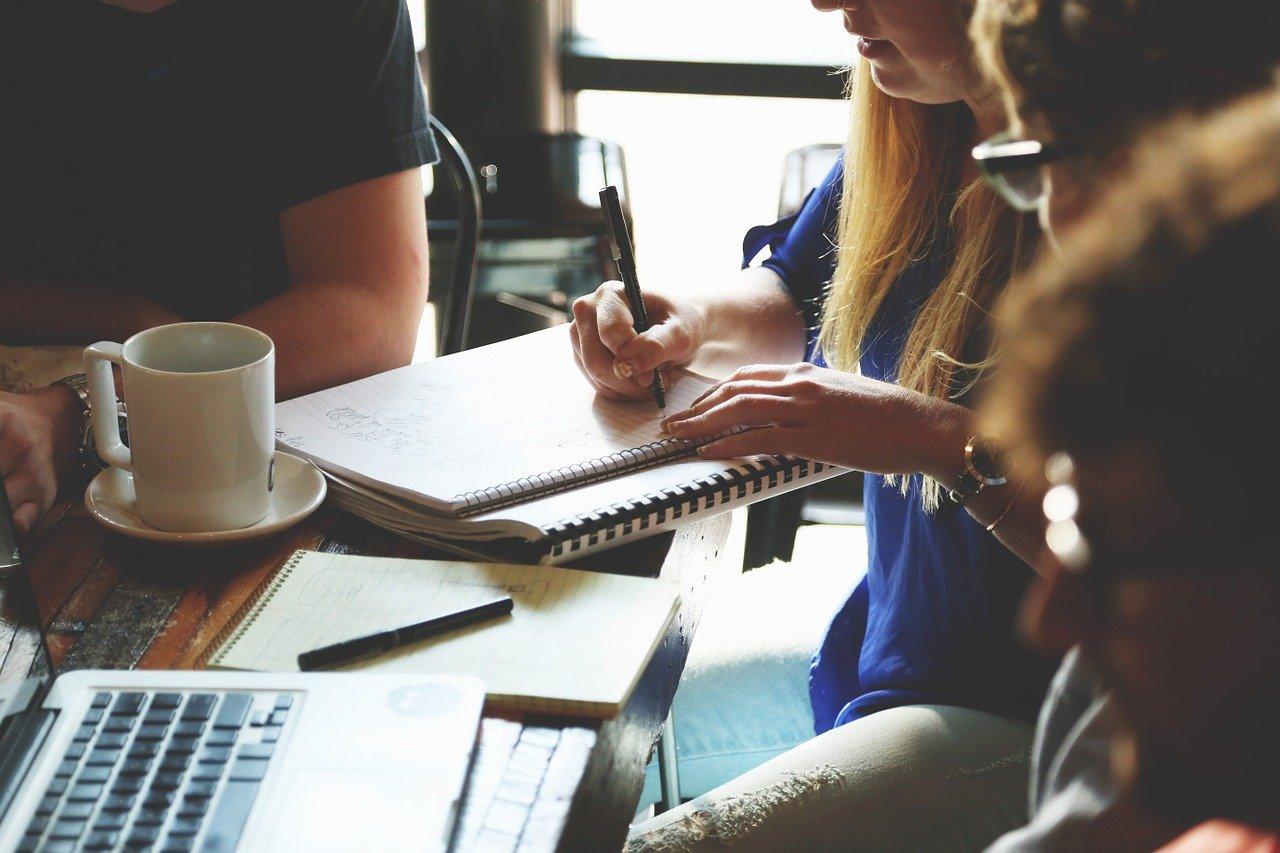 startup, meeting, brainstorming-594090.jpg